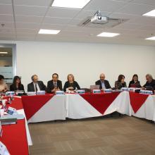 Mesa de debate en la reunión del consorcio en Bogotá