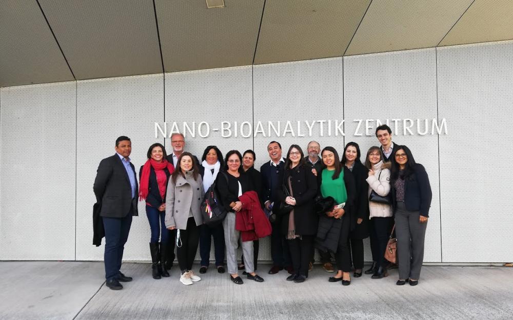 la delegación en el edificio de del centro de nano-bioanalítica